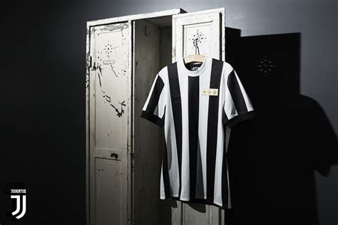 Jersey Juventus Home Retro Juve Anniversary 120th 2017 2018 Grade Ori juventus and adidas club s 120th anniversary with a limited edition kit juventus