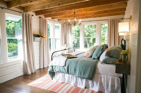 Chip And Joanna Gaines Bedroom Designs The Beanstalk Bungalow Fixer Season 3 Chip And
