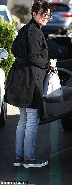 kris bentley kris jenner leaves bentley in 10 minute parking spot