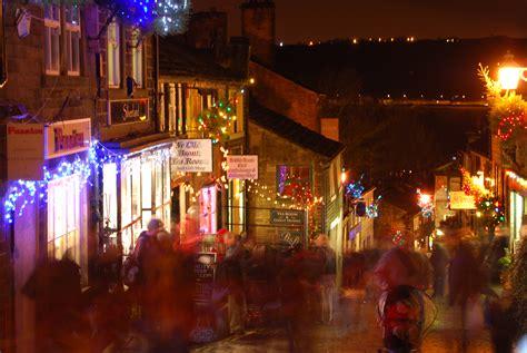 file haworth main street at christmas jpg wikimedia commons