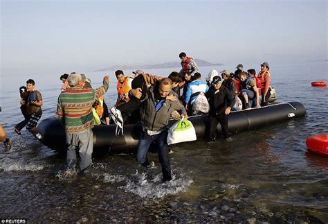 refugee boat italy spain photos kos lesvos chios in crisis as almost 1 200