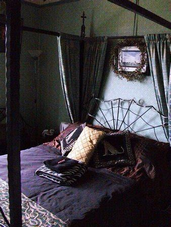 bedrooms and broomsticks bats and broomsticks whitby guesthouse reviews photos