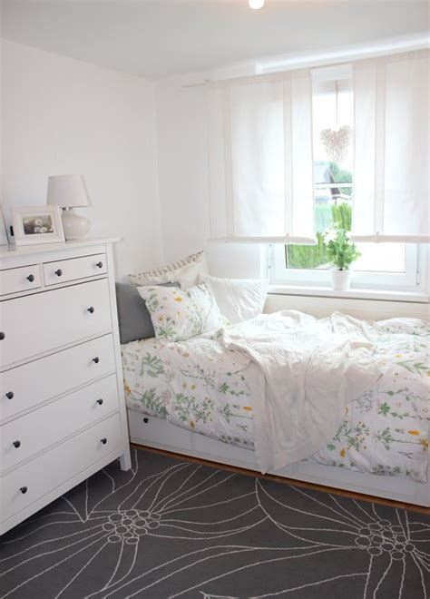 hemnes bedroom ideas our guest room ikea hemnes daybed and strandkrypa duvet
