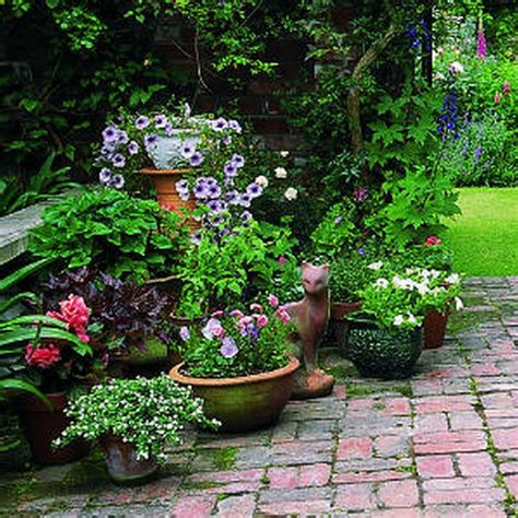 small flower bed ideas pin by michele lacomb on houses pinterest