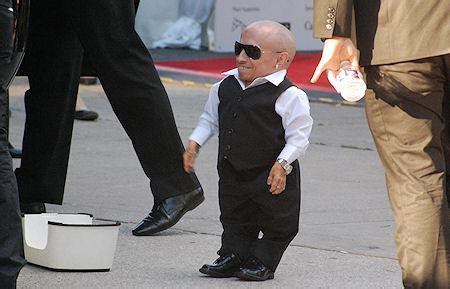 list of midget actors 15 dwarf actors with giant careers in hollywood paperblog