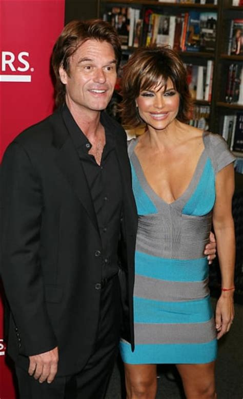 what is wrong with lisa rings husband lisa rinna banked insane payday from depends who much are