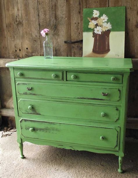 how to paint and decorate an old furniture in formica distressing white and green furniture decobizz com