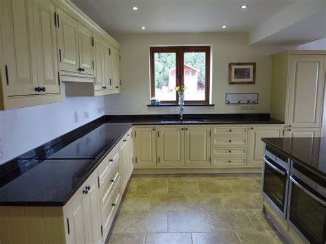blue grey painted kitchen by peter henderson furniture kitchens painted in farrow and ball paint roselawnlutheran