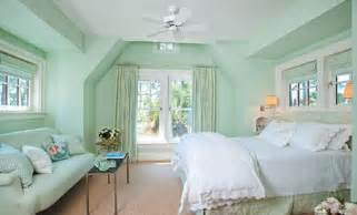mint green bedrooms mint green bedroom walls bedroom pinterest mint green walls layout and window treatments