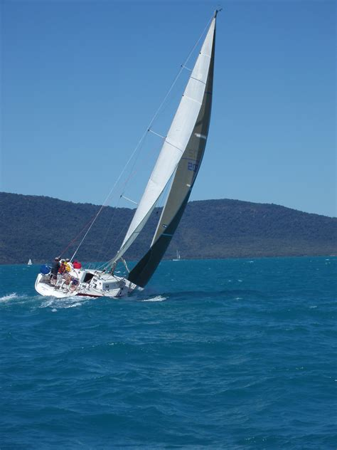 sailing boat qualifications learn to sail a yacht