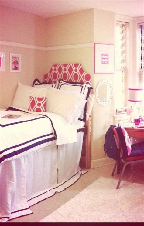 preppy dorm bedding preppy dorm room college pinterest cute dorm rooms
