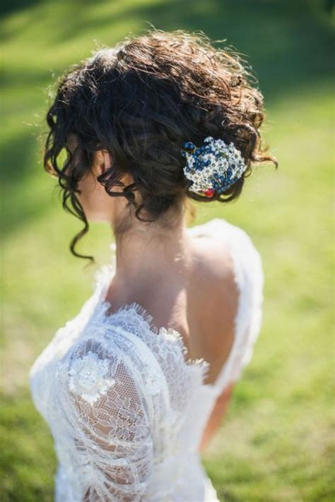bridal hairstyles naturally curly hair 29 charming bride s wedding hairstyles for naturally curly