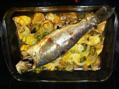 cocinar lubina al horno lubina al horno la cocina de cris