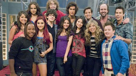 Image Nickelodeon Iparty Cast Photograph Icarly Cast And Cast Of With The