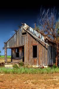 small farm house small old farm house old farmhouses pinterest