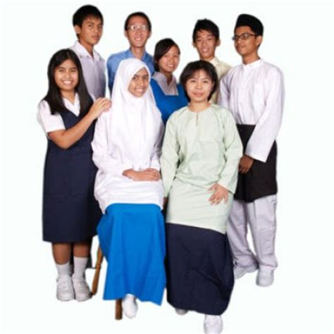 musim jahit baju seragam sekolah