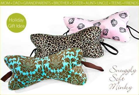 Diy Neck Pillow by Amazing Diy Neck Pillows For Travelling Or Simply Relaxing The Diy