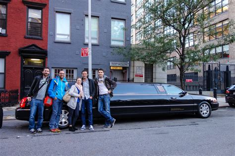 limousine new york rent a limousine and arrive in new york in style