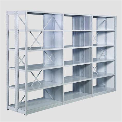 bez gestelle urządzamy bibliotekę jakie regały wybrać