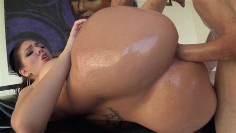 A Big Ass Woman That Has Large Tits As Well Is Having Anal