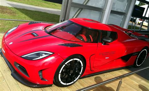 koenigsegg agera red koenigsegg agera r red www imgkid com the image kid