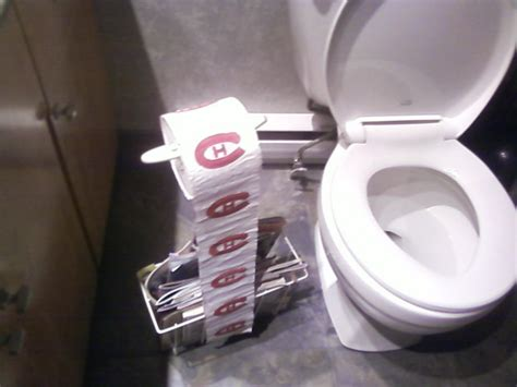 papier de toilettes avec logo du canadien