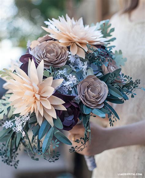 How To Make Paper Flower Bouquets For Weddings - 6 gorgeous ways to use diy paper flowers for your wedding