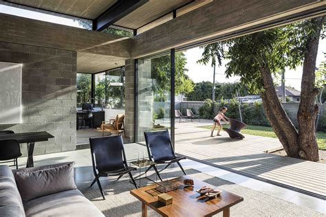 baring house concrete blockwork and a love for the landscape shape