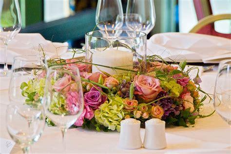 Tischdeko Günstig Hochzeit by Tischdeko Hochzeit Runde Tische Nxsone45