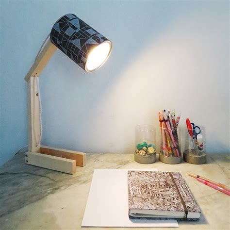 Diy Desk Light by How To Make A Desk L With Can Ohoh