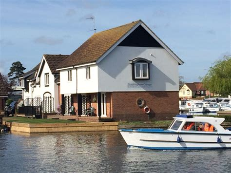 norfolk cottage sandringham cottage waterside cottage in the