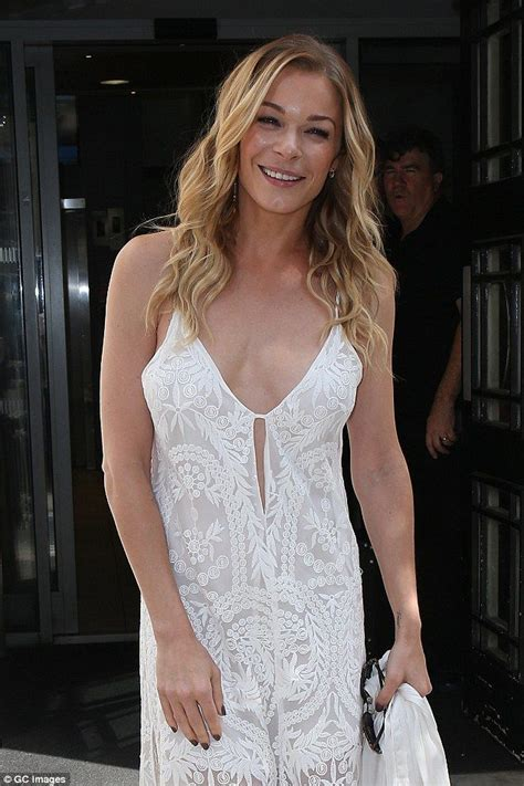 Which Of Leann Rimess 3 Cmas Dresses Do You Like Best by 277 Best Images About Leann Rimes On