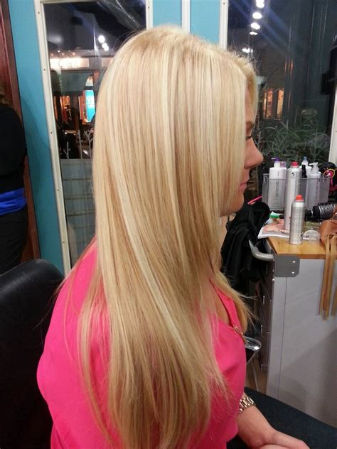 pic of blonde hair w lowlights how to lowlight platinum blonde hair hairstylegalleries com