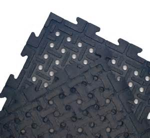 Car Floor Mats Lowes Drainage Rubber Matting Tiles Are Interlocking Rubber Mats