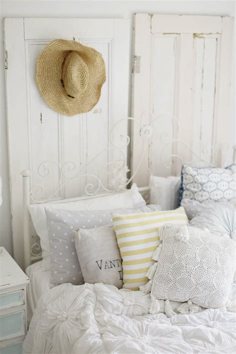 beachy headboard ideas 16 beach style bedroom decorating ideas