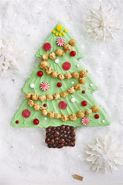 sheet cakes christmas decorated pictures best tree sheet cake recipe how to make tree sheet cake countryliving