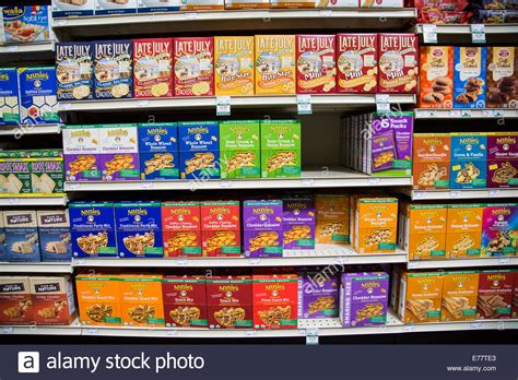 Snack Stor a foods grocery store aisle with shelves of