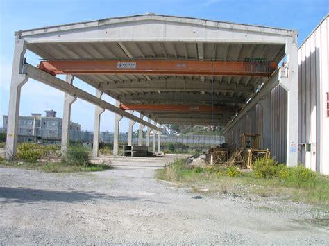 uffici regione calabria capannoni industriali uffici piazzali crotone calabria