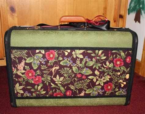 Decoupage Vintage Suitcase - 17 best ideas about decoupage suitcase on