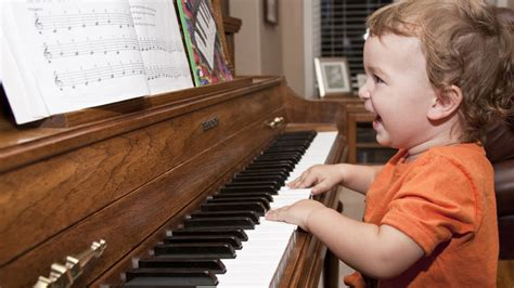 how to play the piano 4 ways learning piano benefits your brain