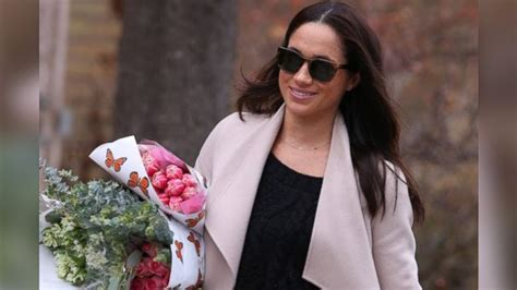 meghan markle shopping for flowers in toronto ukroyals abc news
