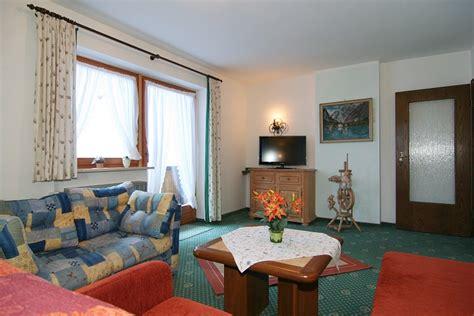 wohnzimmer 70 qm haus am reschenberg ferienwohnungen de ramsau