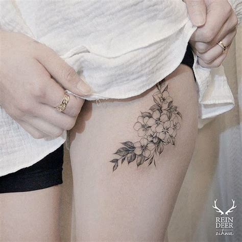 floral thigh tattoo best 25 floral hip ideas on
