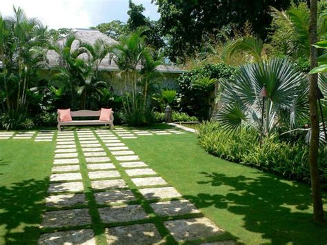 Front Yard Tropical Landscaping Ideas Www Pixshark Com Tropical Landscape Ideas