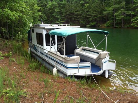 house boats forsale sun tracker party hut boat for sale from usa