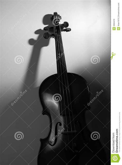 imagenes de objetos a blanco y negro viol 237 n en blanco y negro foto de archivo imagen 3384410