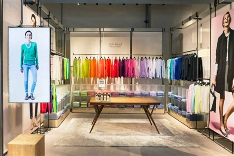 de colores store 187 united colors of benetton concept store milan italy
