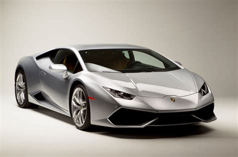 lamborghini huracan front the lamborghini huracan 18 things you didn t know motor