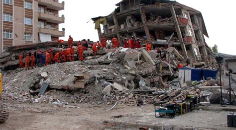 earthquake disaster management turkey says death toll at 10 after new earthquake in van