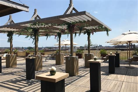roof top bar strand eventnews be zomertip gaston combineert strand en
